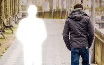 Как душа умершего прощается с родными и своим телом: может ли приходить домой в гости и видеть живых?