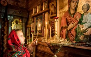 Молитва иконе Божьей Матери «Жировицкая»: значение и в чем помогает, текст на русском языке