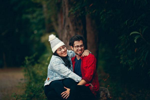 Мужчина-Близнецы: совместимость с другими знаками в любви