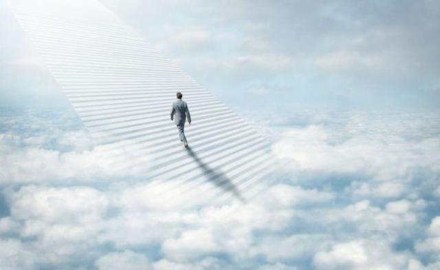 Душа после смерти: как себя проявляет, куда уходит, что слышит и делает, как выглядит и чувствует себя, когда покидает физическое тело и возвращается ли на землю
