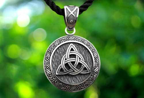 Оберег Триглав: славянский символ, значение, описание