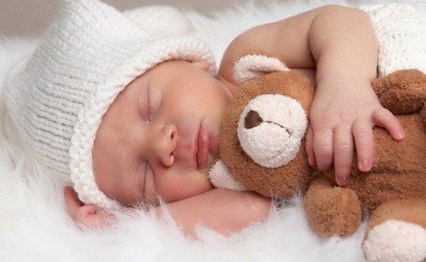 Заговор на сон: приворотный, младенца, в крещение