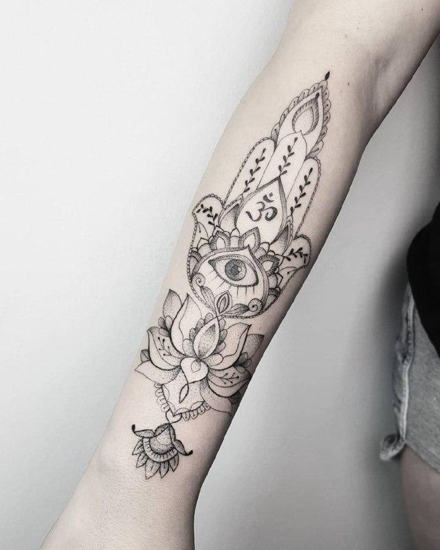 Мандала тату: эскизы со значением, фото идей для девушек и парней, мужские и женские рисунки на руке, спине, ноге, бедре, плече