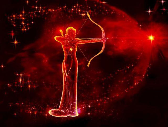 Гороскоп для женщины-Стрельца на 2020 год: любовь, деньги, отношения, карьера, от Глоба, Володиной, по месяцам