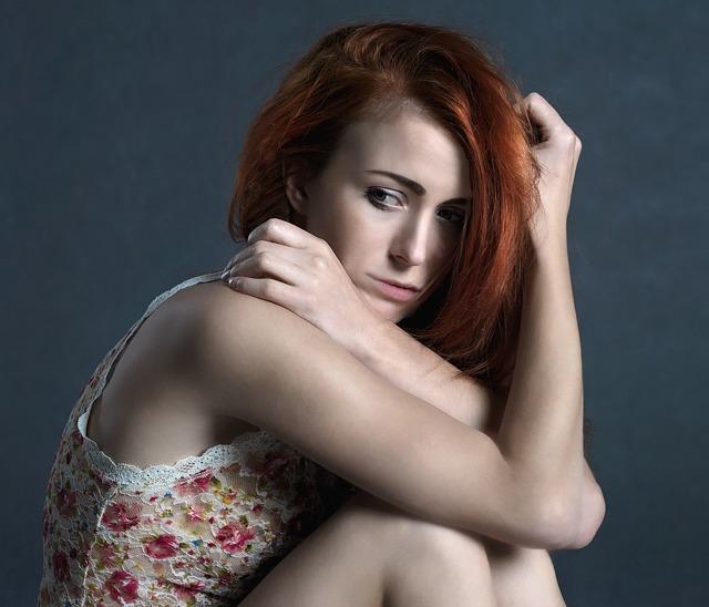 Признаки приворота у женщин: как определить, симптомы