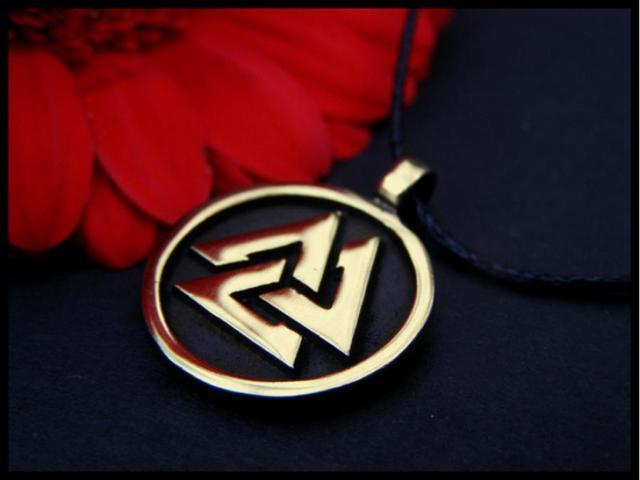 Символ Валькнут: значение, в руническом круге, амулет