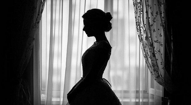 Венец безбрачия: признаки у девушек, как снять, что такое