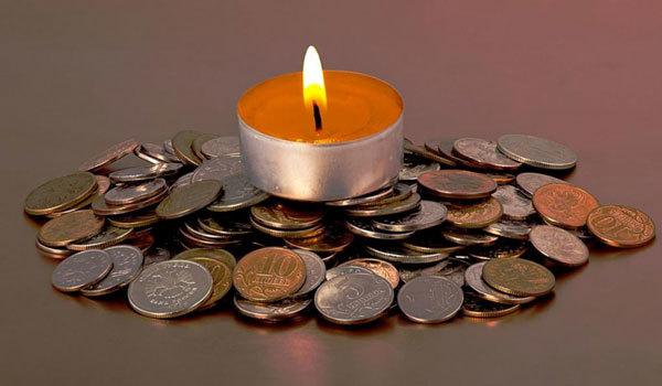 Заговор на деньги на крещенскую (святую) воду 19 января 2020: на богатство, читать, на торговлю