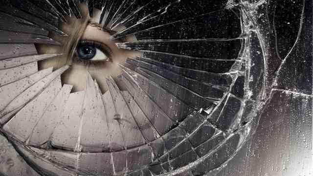 Зеркальный обряд приворота: последствия, как действует, как сделать