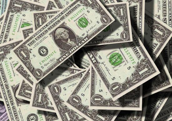 Заговор на купюру: читать в домашних условиях, для привлечения денег, богатства
