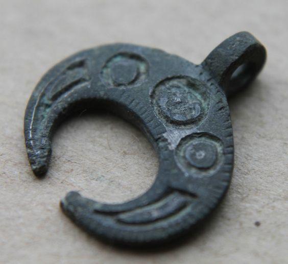 Амулет (символ) Вера, Надежда, Любовь: как носить