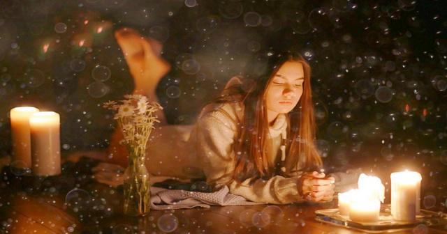 Гадание по теням в Новый год и Рождество в 2020 году: значение фигур, от бумаги, толкование, от сгоревшей бумаги