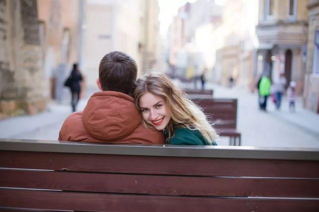 Чихалка четверг: по времени, к чему чихать, правдивая, любовная