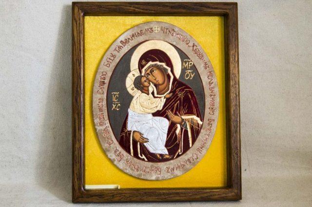 Молитва иконе Божьей Матери «Жировицкая»: значение, в чем помогает, на русском языке