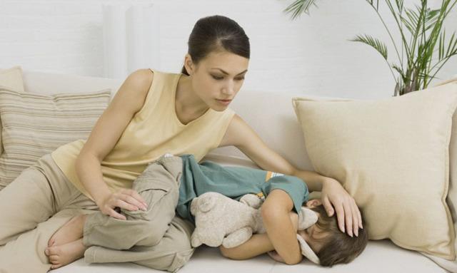 Заговор от боли внизу живота, желудка: у ребенка, против аппендицита