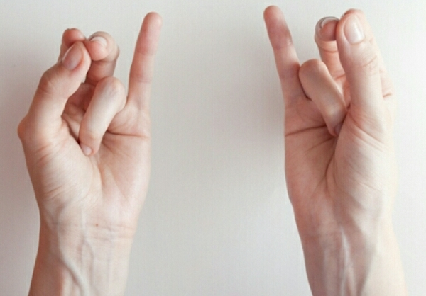 Ашвини-мудра: техника выполнения, польза для здоровья, влияние на энергетику