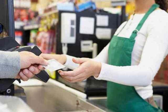 Заговор на привлечение клиентов: читать, ритуалы, покупателей