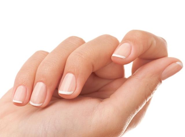 К чему сломался ноготь: приметы, на какой руке, на каком пальце