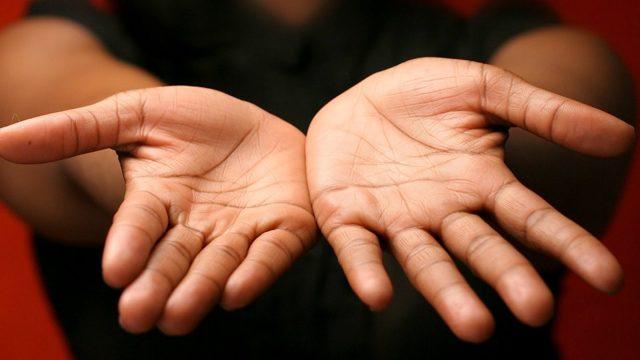 Родинка на холме Венеры: правая и левая рука, значение, хиромантия
