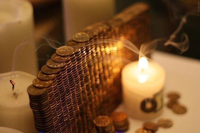 Заговор на монету: читать на деньги удачу, чтобы водились, на пятак
