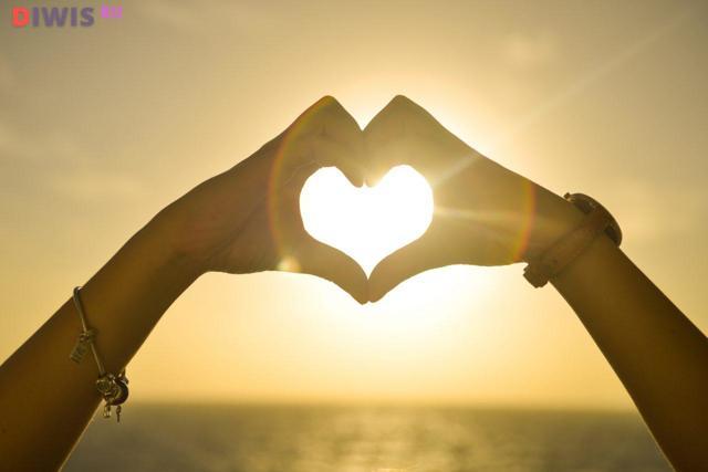 Гороскоп для женщины-Рака на 2020 год: любовь, деньги, отношения, карьера, от Глоба, Володиной, по месяцам