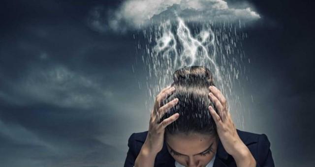 Как распознать человека с негативной (отрицательной, черной) энергетикой: признаки плохой ауры, защита