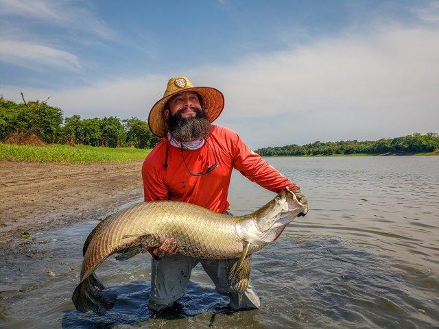 Ловить рыбу руками во сне: что означает для женщины и мужчины, подробное толкование по сонникам