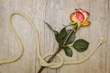 Последствия приворота: для жертвы и заказчика, чем опасен