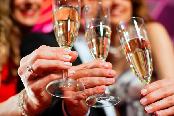 Обряды и заговоры в Новый год 2020: читать в январе, ритуалы и приметы, на деньги