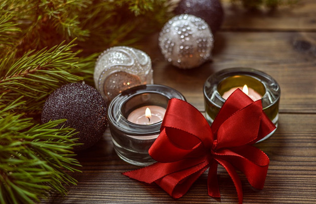 Гадания в домашних условиях в Новый год и Рождество в 2020 году: на любовь, на будущее, на картах