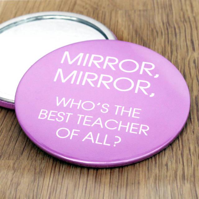 Почему нельзя дарить зеркало: плохая примета, на день рождения, женщине