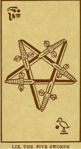 5 Мечей (Пятерка Клинков, Шпаг): значение аркана Таро, сочетания с другими картами, толкование в гаданиях и раскладах, перевернутая и прямая