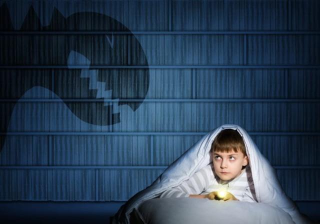 Заговор от страха: темноты, у ребенка, читать на воду%