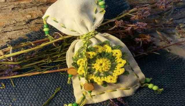 Трава от сглаза и порчи: полынь, чертополох, зверобой
