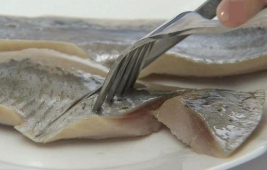 Кушать рыбу во сне: есть жареную, соленую, красную, костлявую, сырую, сушеную, вкусную, что означает для женщины и мужчины