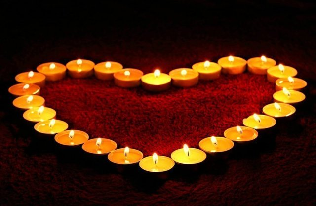 Приметы на День святого Валентина (всех влюбленных, 14 февраля) 2020: ритуалы, обычаи, гадания, что нельзя и что можно дарить
