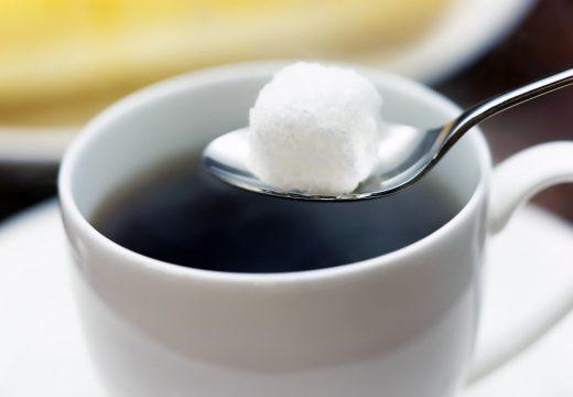 Заговор на сахар: на удачу и деньги, читать от Ванги
