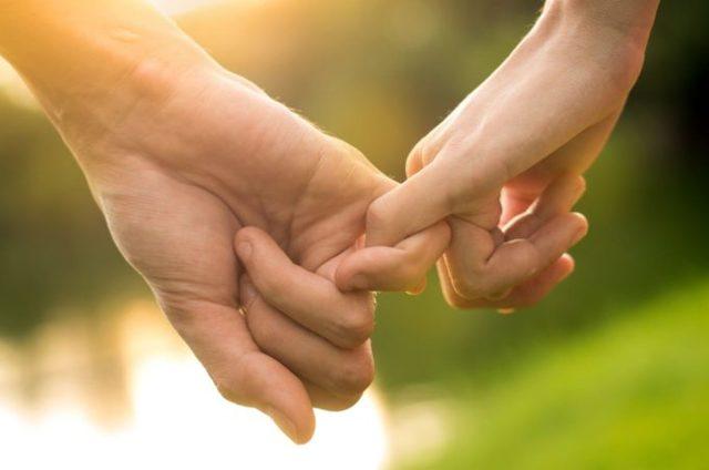Влюбленные Таро (6 аркан, Любовники, Возлюбленные): значения и сочетания с другими картами, в отношениях и любви, перевернутый и прямой в раскладах, описание и толкование