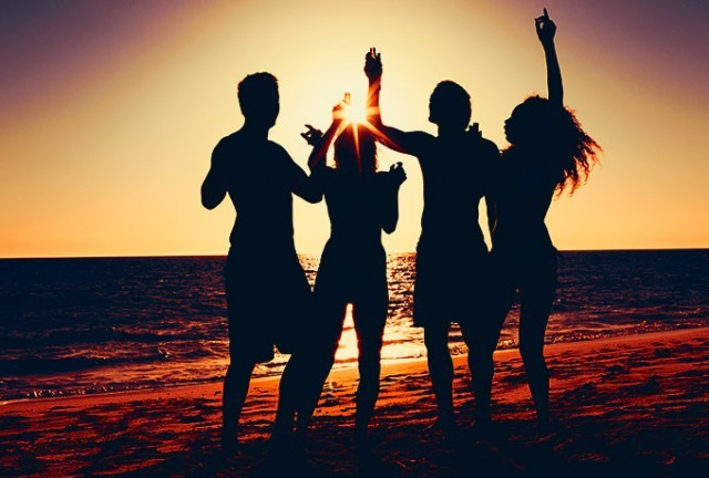 Совместимость знаков зодиака в дружбе: у девушек и мужчин
