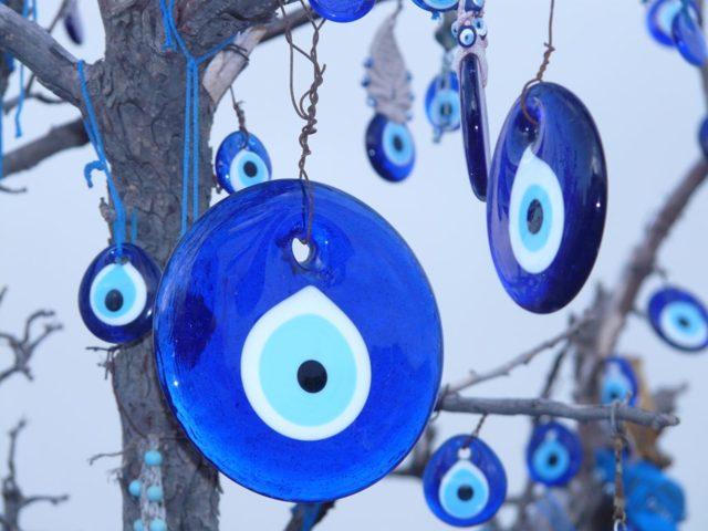 Оберег Глаз Фатимы (Назар): значение, турецкий символ, как правильно использовать