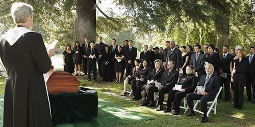 Видит ли душа умершего человека своих родных и близких: после смерти, помнит ли нас