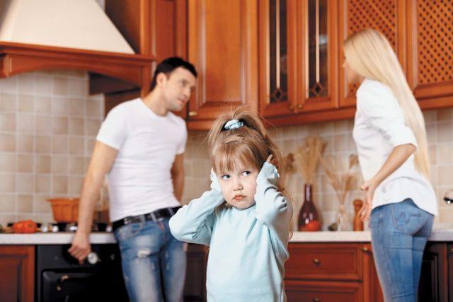 Порча на семью: как снять в домашних условиях, признаки, как определить