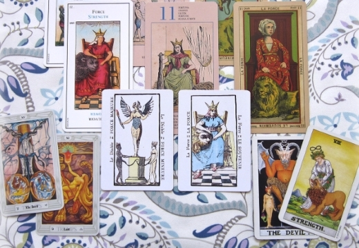 Дьявол Таро (15 аркан): значения и сочетания с другими картами, в отношениях и любви, перевернутый и прямой в раскладах, описание и толкование