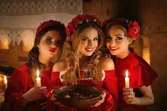 Святки в 2020 году с 7 по 19 января: традиции и обряды, заговоры, на любовь мужчины