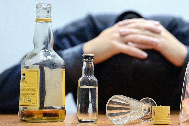 Порча на пьянство (алкоголь): признаки, как снять, определить