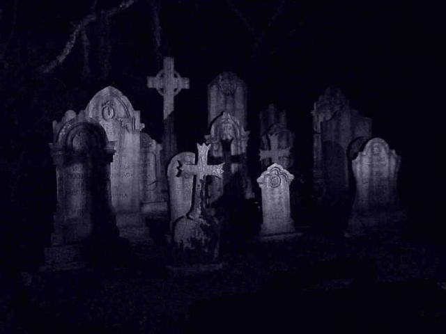 Порча на кладбище: как снять, на смерть кладбищенской земли, что такое