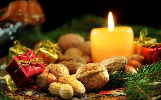 Гадание на рождество в Новый год и Рождество в 2020 году: в домашних условиях, с 6 на 7 января, на суженого