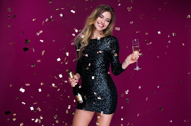 В чем встречать Новый 2020 год: женщине и мужчине, в каком цвете, платье (наряде,одежде), что нельзя надевать, какой маникюр сделать