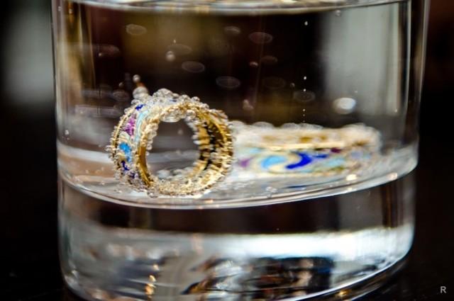 Примета: из кольца выпал камень, потерялся
