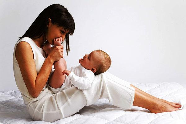 Как заговорить пупочную грыжу у младенца, ребенка: самостоятельно, читать